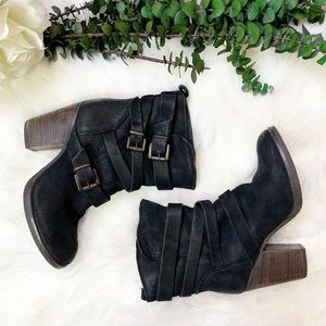 Steve Madden Yale Belted Boots
